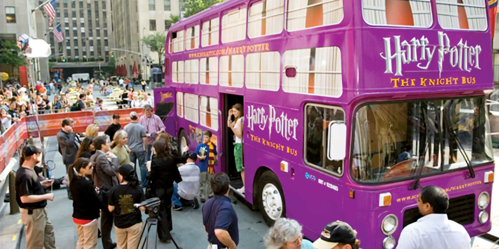 30' ENGLISH BUS DOUBLE DECKER BOOK TOUR