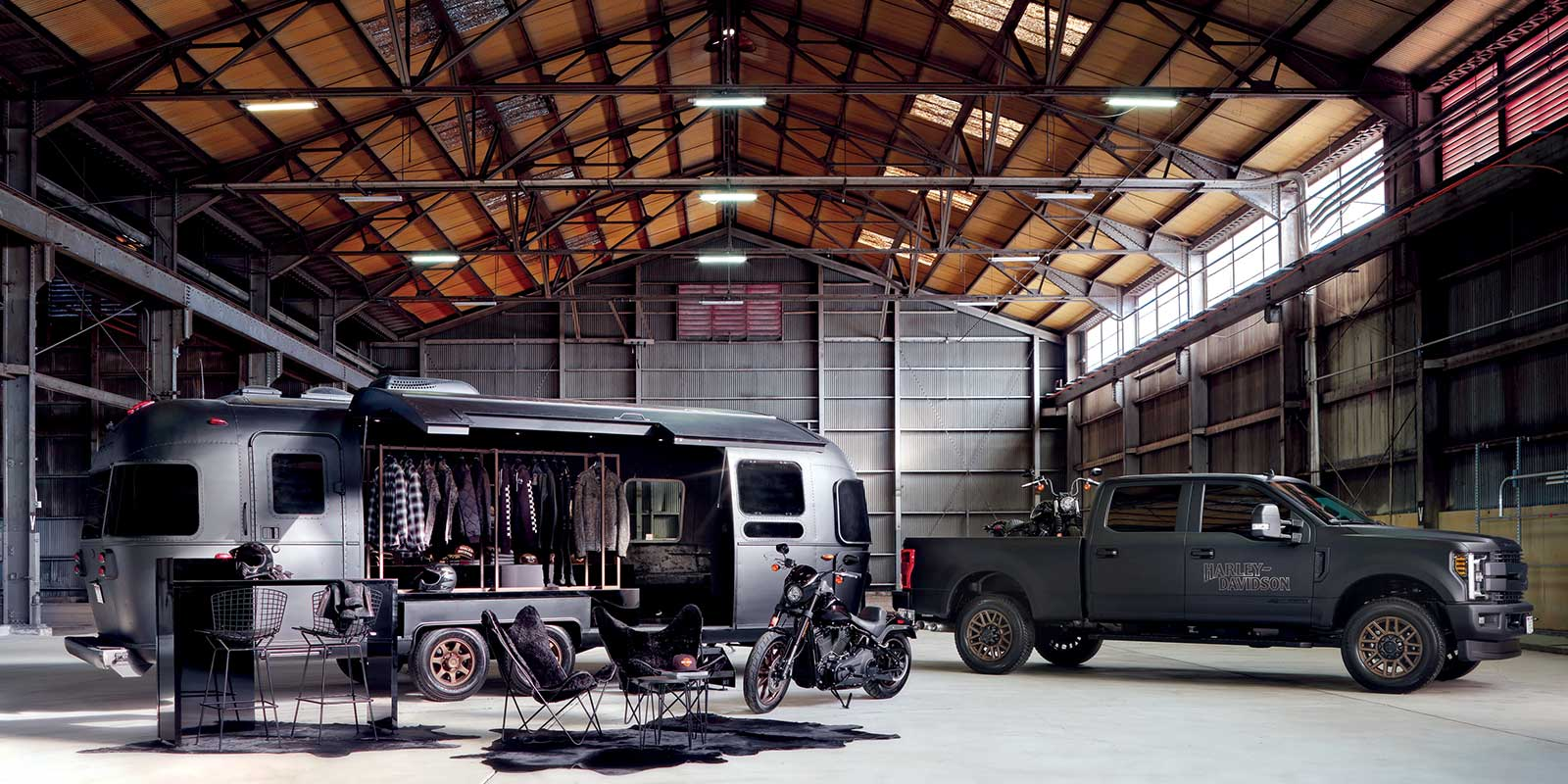 OPEN CONCEPT AIRSTREAM FOR POP-UP RETAIL
