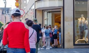 Best Ways To Gather a Crowd at Your Pop-up Store